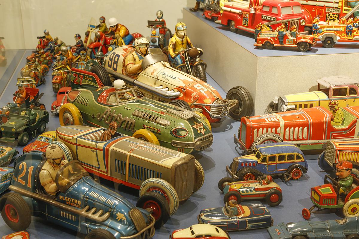 黄金期を迎えた戦前のブリキ機械玩具など貴重な展示も