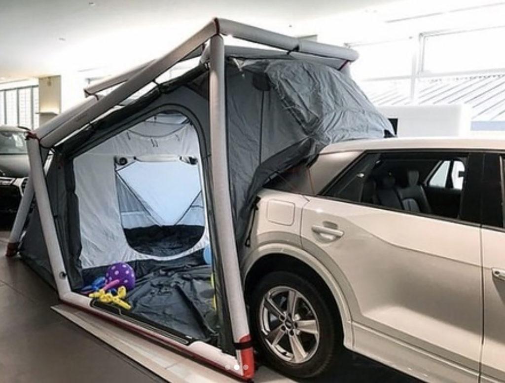 Audi Q2とキャンピングテント