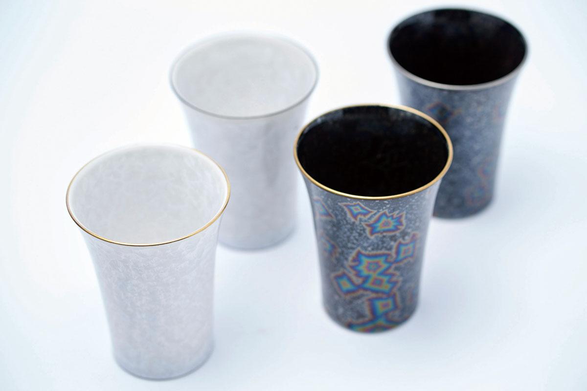 焼成する際の温度変化で模様ができる花結晶・星結晶のフリーカップ