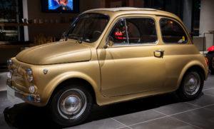 Kiwakoto CRAFT-CARサービスで装飾したFiat 500 Cinquecento