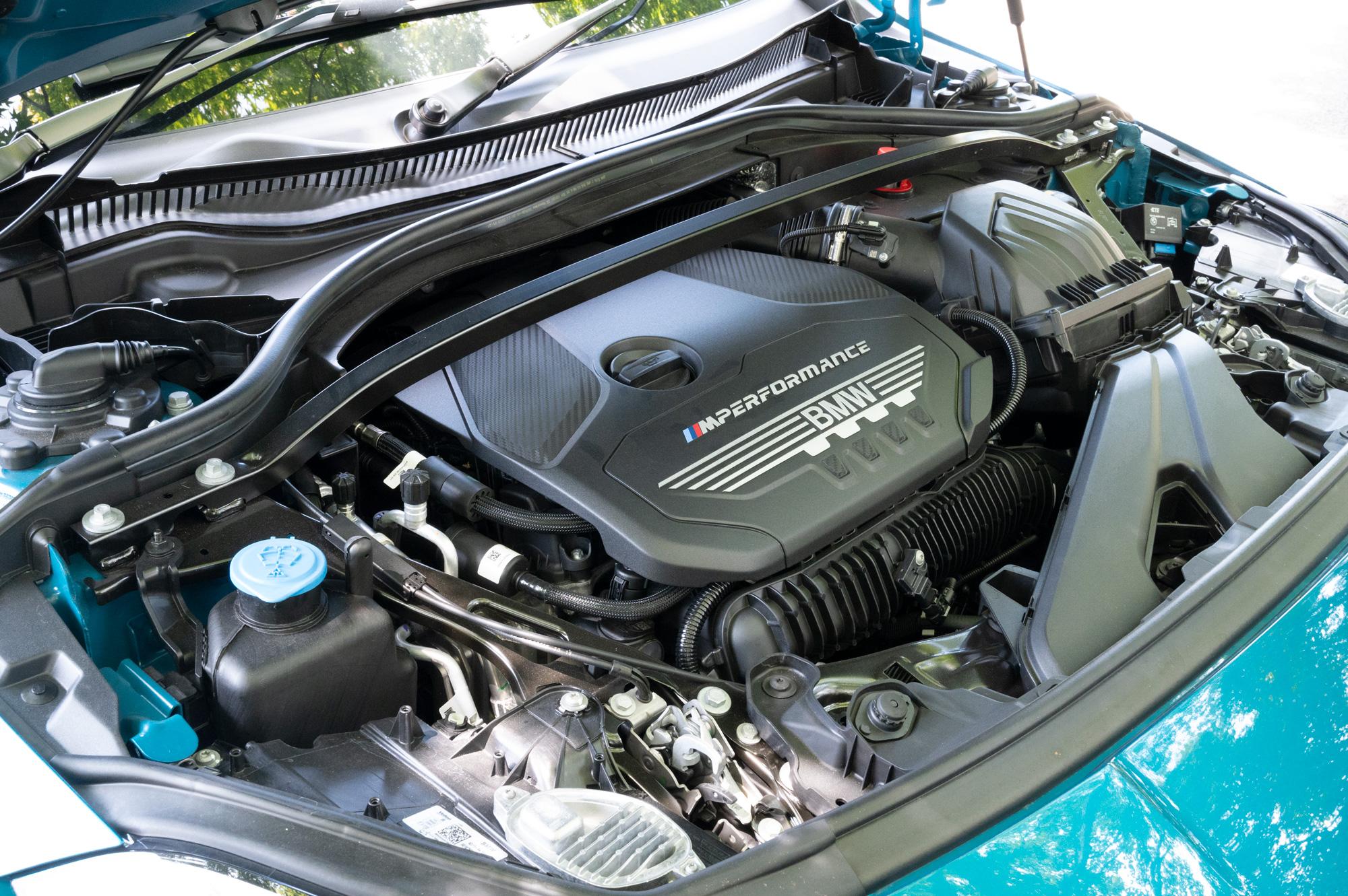BMW M235i xDrive グランクーペ エンジン