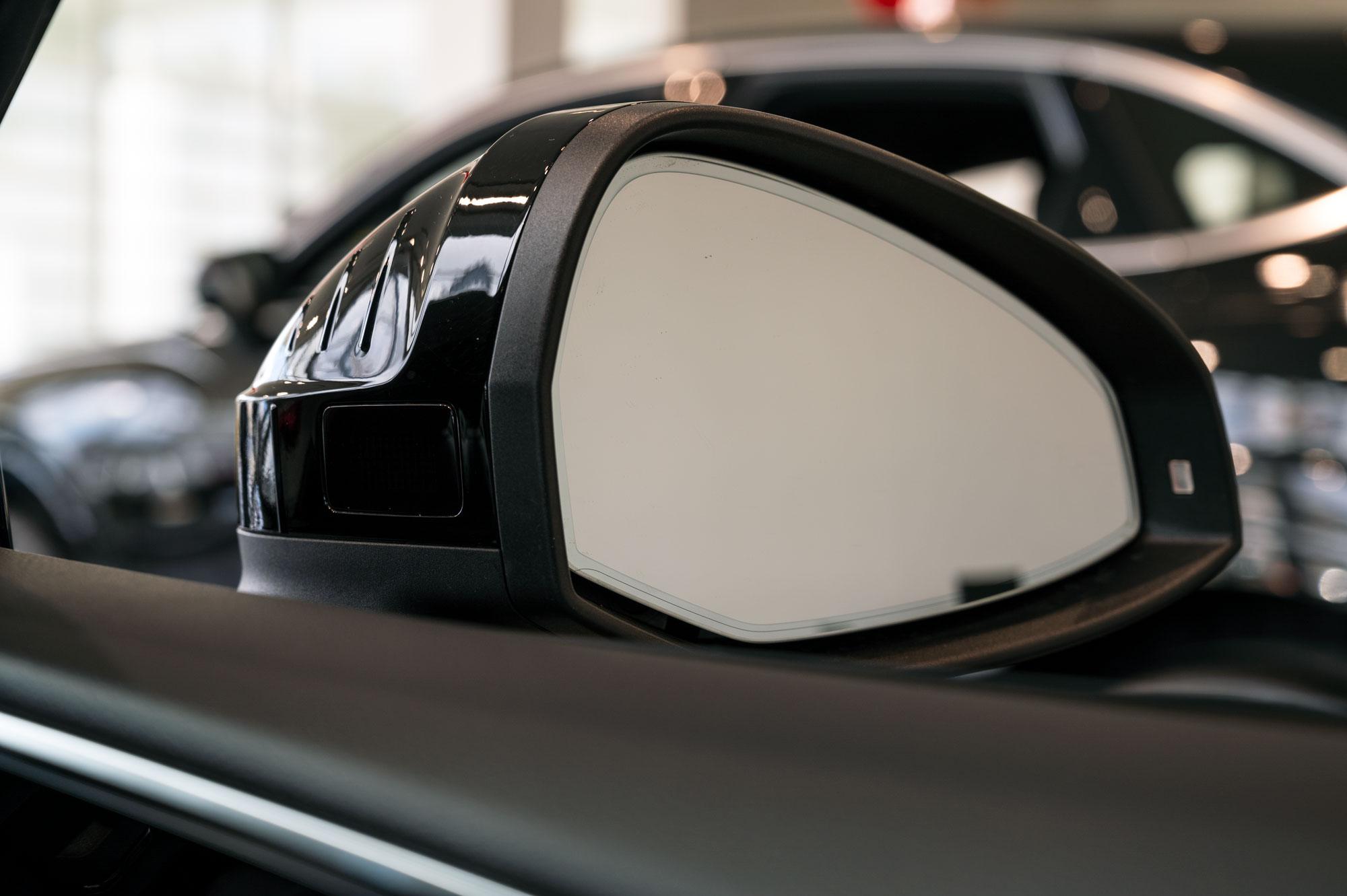 Audi A5 Sportback ドアミラー内側の突起