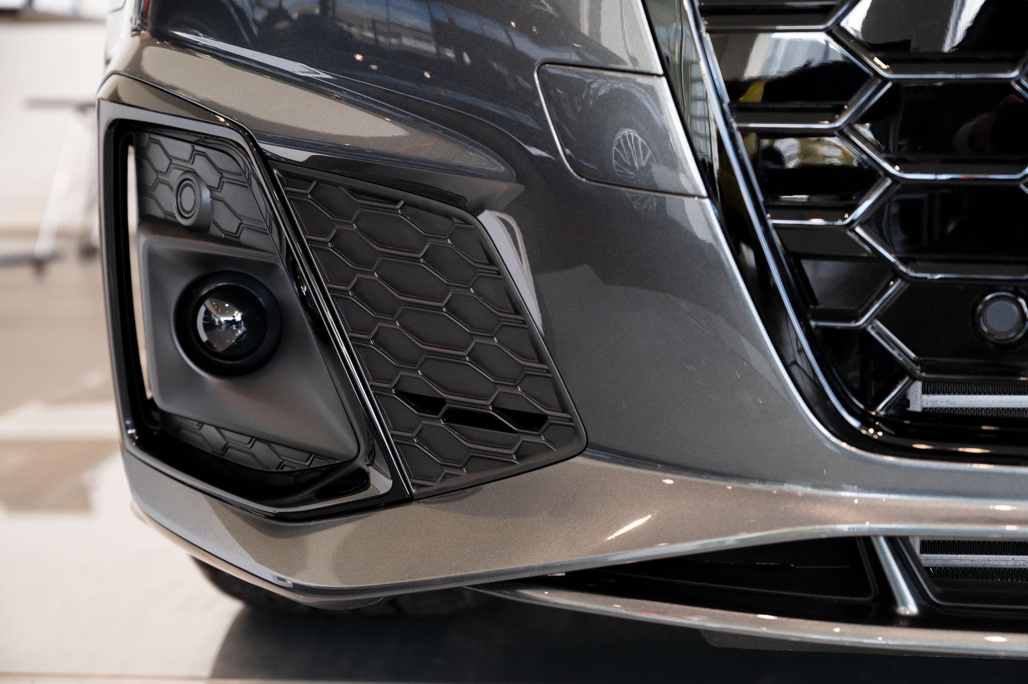Audi A5 Sportback フェンダーのスリット