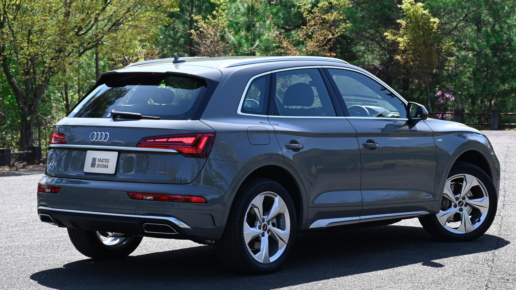 Audi Q5 40TDI quattro S line リアビュー