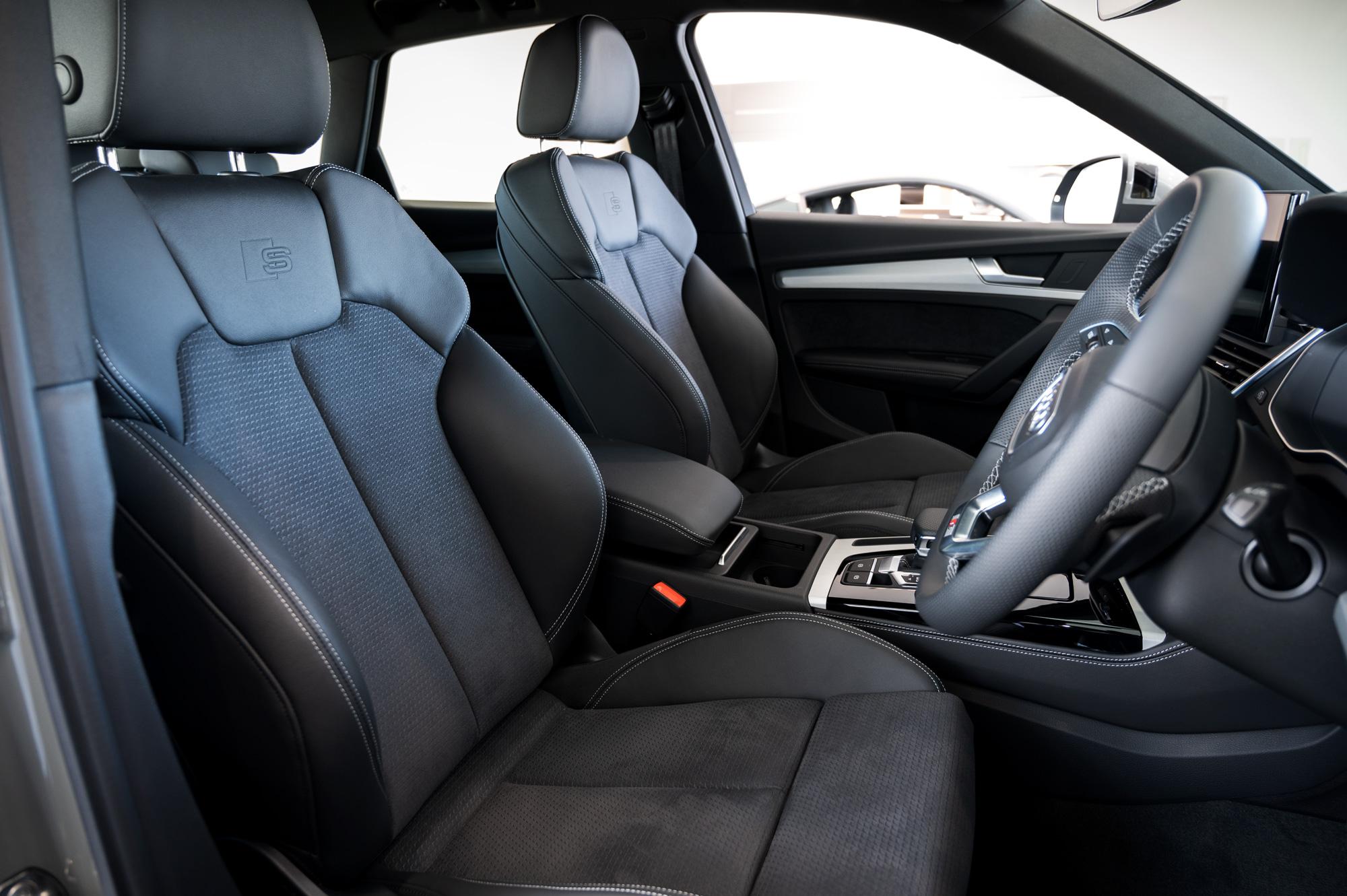 Audi Q5 S lineレザーのコンビネーションスポーツシート